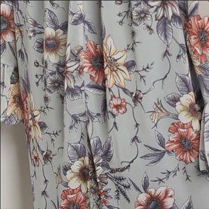 Dresses - NEW🌹Gray Floral off shoulder dress